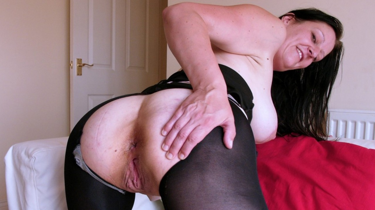 Missy Kink, Finger Fucking to Squirt!