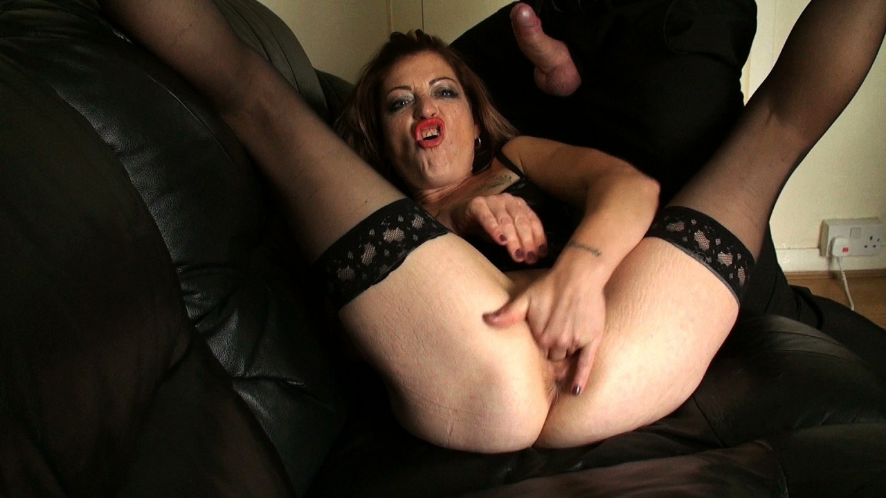Emma: wand makes her squirt