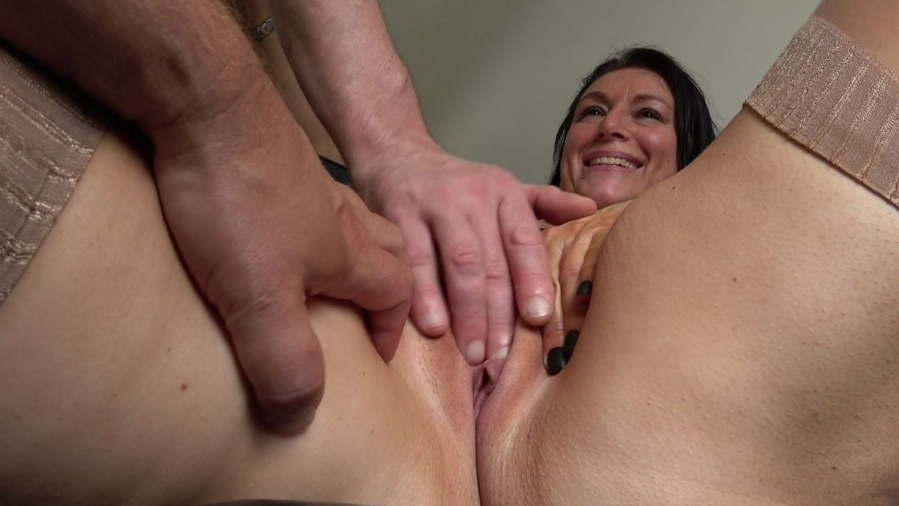 Sabrina Jade: Squirting Virgin No More