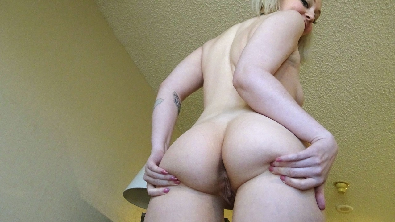 """Arielle: """"Fuck both my holes, Daddy"""""""