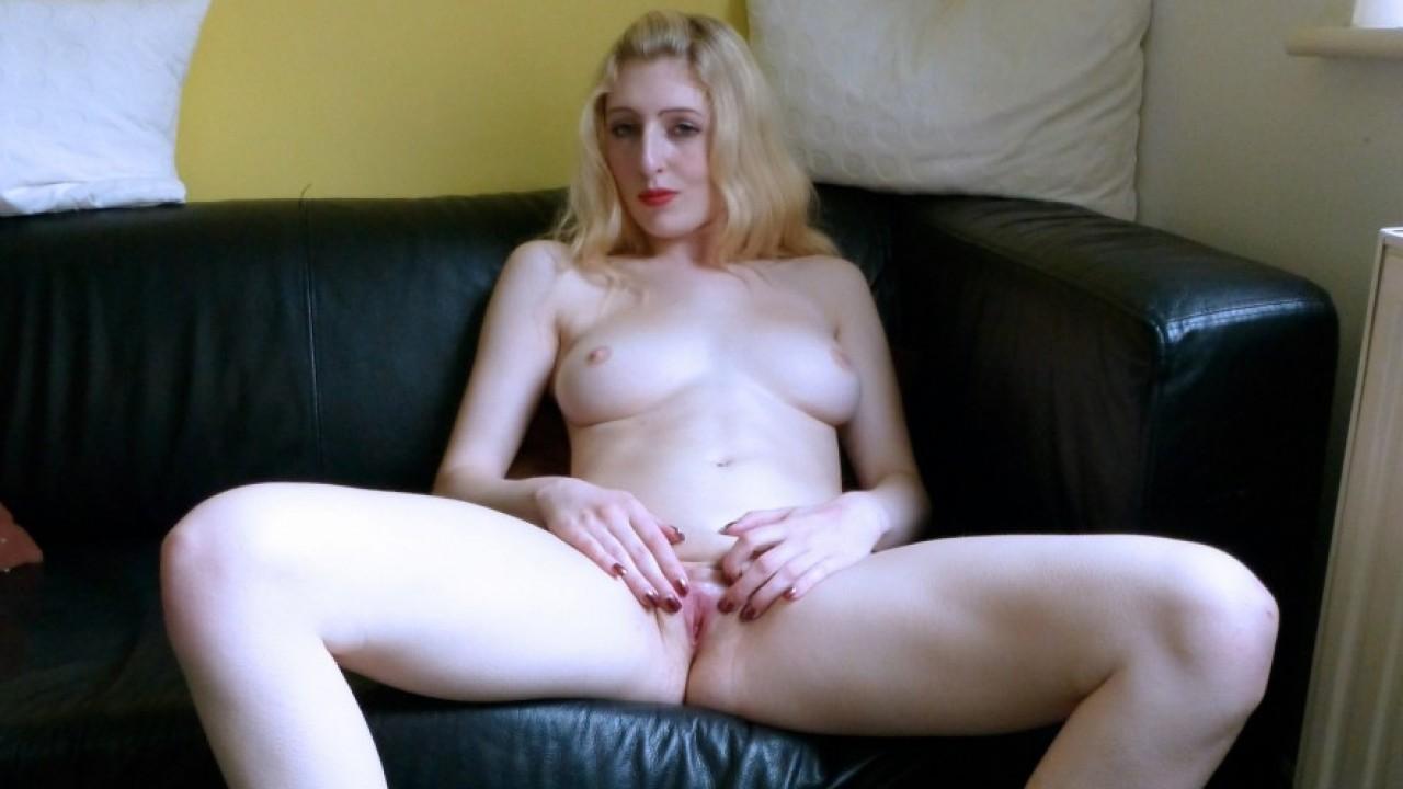 Jessica Jensen Prepping Her Wet Pussy!