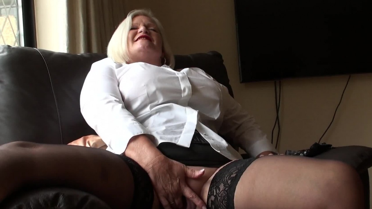 Anal Analysis for Granny Sex Doctor, Lacey Starr